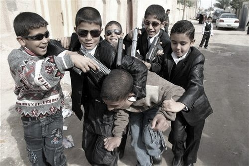 1207decade_kids-in-baghdad